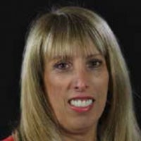 lori lapin jones board headshot