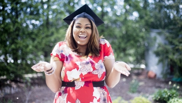 graduateschooleducationcollegeuniversityclasslearngrowaccomplishstudentmommotherwomanfeaturedimage
